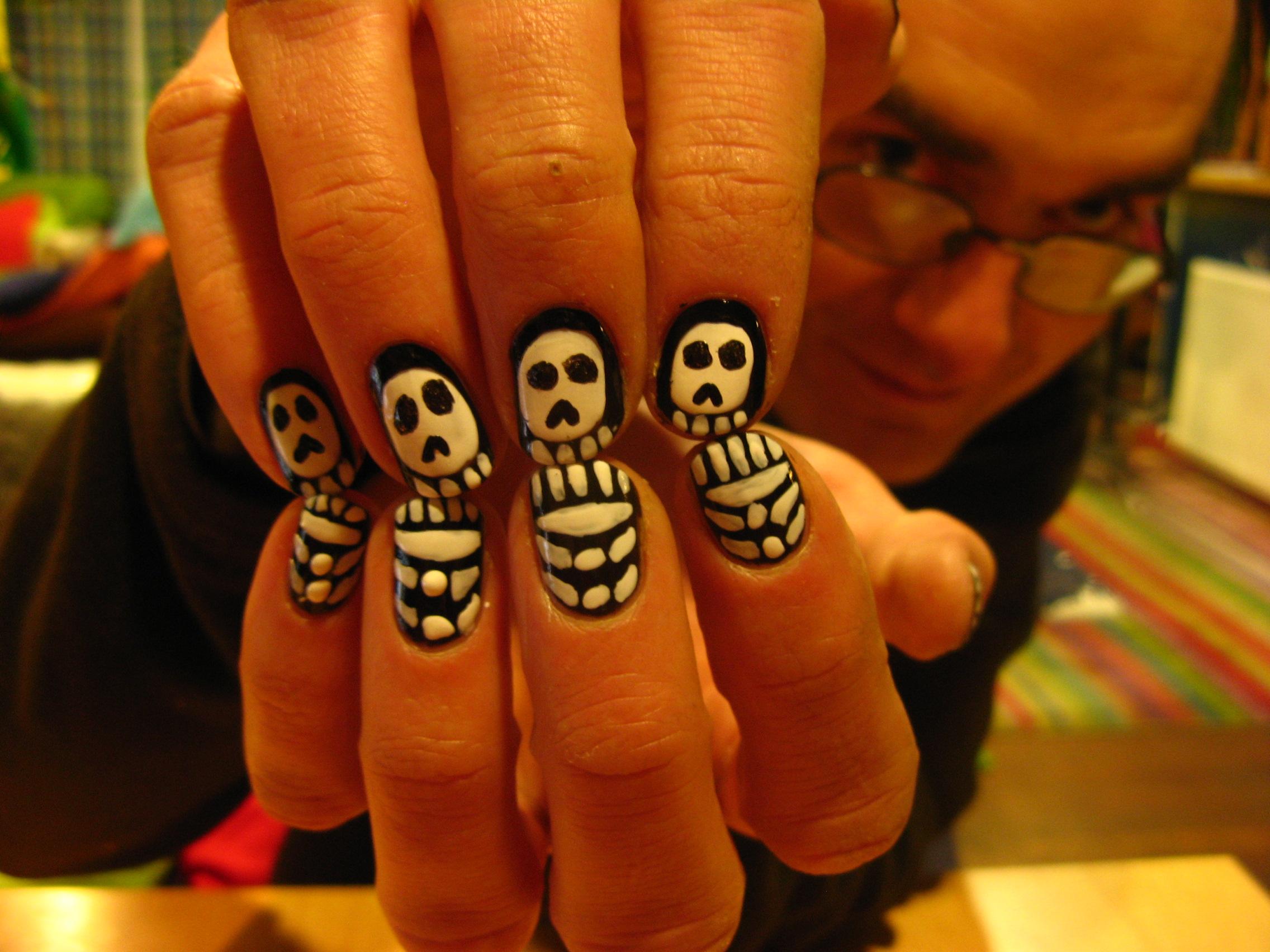 Grants Skull Nails Freehand Digital Imologue