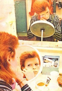 bowie does makeup